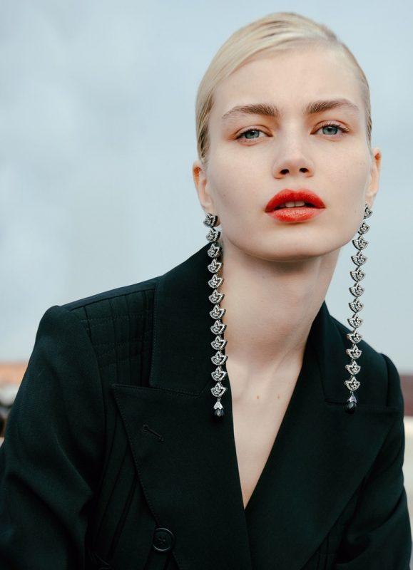 俄罗斯模特为嘉人杂志拍摄
